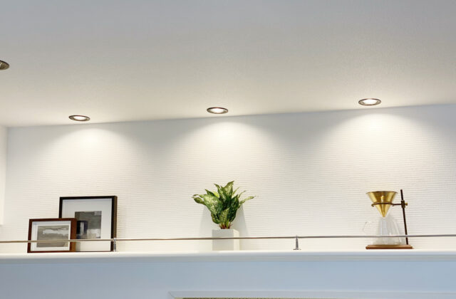 まるで新築のような綺麗な室内とリノベーションデザイン・壁紙クロスがとっても素敵です!